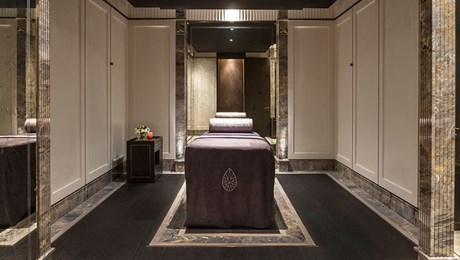 Spa Treatment Room at The Lanesborough Club & Spa, Luxury Members Club (1)